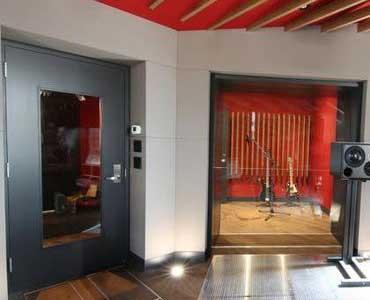 Insonorizar puerta de entrada mitrallar realiza venta y - Insonorizar estudio ...
